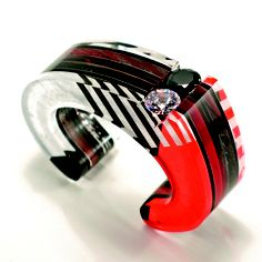 Jennifer Merchant Design: Graphic Cuff - Nominated in the Sculpture to Wear category