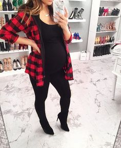 New Baby Black Clothes Ideas Pregnancy Fashion Winter, Winter Maternity Outfits, Stylish Maternity, Maternity Wear, Maternity Fashion, Maternity Styles, Pregnancy Wardrobe, Pregnancy Outfits, Pregnancy Clothes