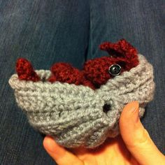 Roll-up armadillo crochet! Ravelry: Project Gallery for Roll-up Armadillo pattern by Kati Galusz