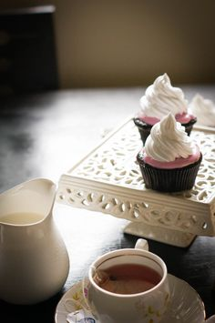 Melted Marshmallow Frosting on Chocolate Cupcakes | A Cupcake for Love