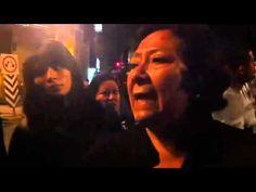 Bloquean avenida 300 acarreados del PRI para exigir el pago de los 500 pesos que les prometieron. La simulación del grito shar.es/i9Vy4 #15SMX #Zócalo #LaBola #CNTE