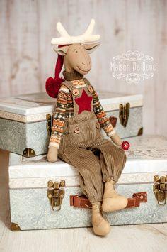 Christmas Moose, Christmas Sewing, Country Christmas, Handmade Christmas, Moose Decor, How To Make Toys, Fabric Toys, Santas Workshop, Diy Doll