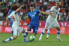 FOOTBALL -  Mondial-2014: nul dans la douleur pour l'Italie à Prague - http://lefootball.fr/mondial-2014-nul-dans-la-douleur-pour-litalie-a-prague/