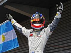 Pechito López ganó nuevamente y manda en el WTCC - Cars