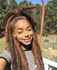 Omg, sooo beautiful Drea(m)locs 2 in 2019 Hair styles, Dreads free hair style girl - Hair Style Girl Pelo Natural, Natural Hair Tips, Natural Curls, Natural Hair Styles, Pretty Dreads, Beautiful Dreadlocks, Dreadlock Hairstyles, Girl Hairstyles, Hairstyles 2016