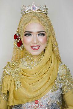 The Wedding Of Ajeng & Frans oleh LAKSMI - Kebaya Muslimah & Islamic Wedding Service • Gaun pengiring pengantin | Bridal | Bridestory di Indonesia | Bridestory