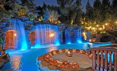 Get in my backyard: 10 amazing pools
