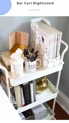 College dorm rooms you need to copy. These college dorm rooms are perfect for your freshman year. Copy these ideas for the best Freshman year! University Rooms, Uni Room, Dorm Room Desk, Diy Dorm Room, Dorm Desk Decor, Office Decor, Diy Dorm Decor, Ikea Office, Ideas Para Organizar