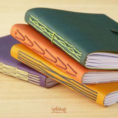 Handbound notebook. Longstitch binding. Soft cover / Encuadernado a mano. Encuadernación de puntada larga. Cubierta blanda