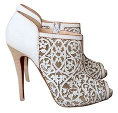 CHRISTIAN LOUBOUTIN WHITE 150 PAMPAS LASER CUT OPEN TOE BOOTIE BOOTIES SHOES PRE-OWNED