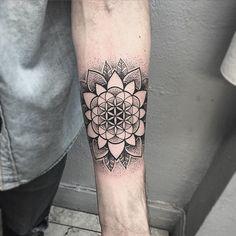 """""""Thanks Jordan #tattoo #tattoos #tattoodesigns #blackwork #blacktattoos #blacktattooart #blackworkerssubmission #art #artist #mandala #mandalatattoo…"""""""