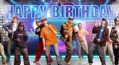 Un grupo de amigos se juntan para bailar en esta felicitación de cumpleaños, bailan todos los estilos de música que puedas imaginar.  http://www.risadevideos.com/videos-felicitaciones-de-cumpleanos/