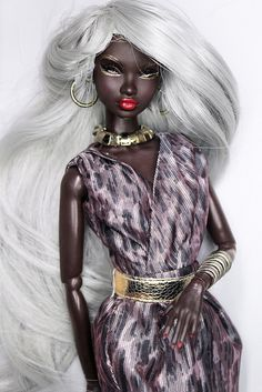 NADJA - glam illusion by Intégrité on Flickr. [a Fashion Royalty 'Najda' doll by Integrity Toys w/a re-rooted hairstyle, or wearing a wig. –MOD]