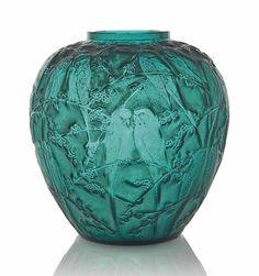 A Perruches Vase, No. 876 #Lalique #lovebirds