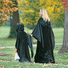Grandin Road Halloween Jet Black Cloak at HSN com Jennifer Garner Pregnant Witch Halloween Costume   fashion  . Martha Stewart Halloween Costumes Grandin Road. Home Design Ideas