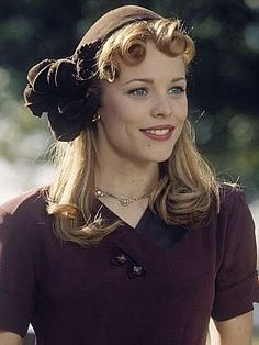 Rachel McAdams. Could she be more beautiful? Love her. Want to be her too.