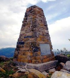 Majuba memorials at Laings nek African States, Mountain Pass, Kwazulu Natal, My Heritage, Cook Islands, African History, Black History, Statues, South Africa