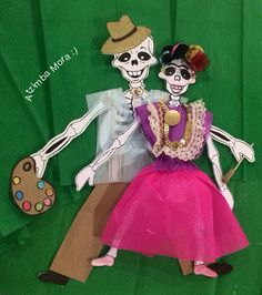 Calaveritas de papel, Frida y Diego Paper Toys, Diy Projects To Try, Appreciation, Christmas Ornaments, My Favorite Things, Holiday Decor, Artwork, Crafts, Prom