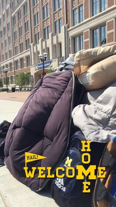 #MoveInhoMe this weekend?  photos! Be sure to snap 'Uofmichigan' using our brand new Geofilters!
