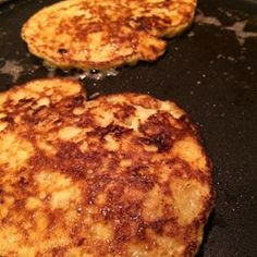 The 2-Ingredient Banana Pancakes That Make My Toddler's Day.
