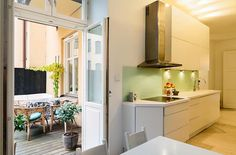 Lägenhet i Stockholm - Skeppsholmen Sotheby's International Realty Stockholm, Peace, Kitchen, Archive, Home Decor, Cooking, Decoration Home, Room Decor, Kitchens