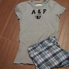 A & F Tee Abercrombie and Fitch grey tee in great condition Abercrombie & Fitch Tops Tees - Short Sleeve
