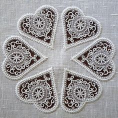 Getting to Know Brazilian Embroidery - Embroidery Patterns Types Of Embroidery, Learn Embroidery, White Embroidery, Embroidery Thread, Machine Embroidery Designs, Embroidery Patterns, Embroidery Hearts, Drawn Thread, Hardanger Embroidery