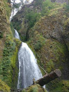Waterfall - Wahkeena Falls Oregon [OC] [3480x4640] s-hf https://ift.tt/2uPHAea April 05 2018 at 06:06PMon reddit.com/r/ EarthPorn