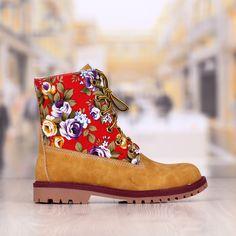 Ghete Dama Camel Cu Imprimeu Floral +Ochelari Cadou Cod: 318pd la 130 LEI http://www.superredus.ro/cumpara/ghete-dama-camel-cu-imprimeu-floral-ochelari-cadou-cod-318pd-393