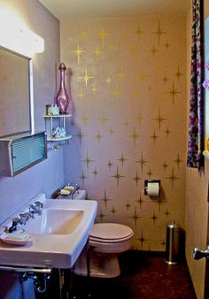Two starburst stencil projects for your bathroom — including a free pattern - might need to do this in my blue MCM bathroom - but maybe silver starbursts instead?