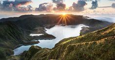Isla de São Miguel Azores. Se la conoce también como Isla Verde por sus grandes praderas.  Fot.: Antonio Gaudencio #saomiguel #azores #paisaje #seascape #portugal #volcan #isla #island