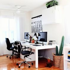 """""""Another look at today's home tour on theeverygirl.com. This organized office is the perfect fit for our #TEG30daychallenge: 30 days of organization. :…"""""""