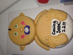 Pregnancy announcement. Baby cake. Surprise.