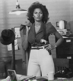 Pam Grier is the epitome of what a natural black woman is. Vintage Black Glamour, Vintage Beauty, My Black Is Beautiful, Beautiful People, Kino Theater, Meagan Good, Black Actresses, Don Johnson, Mode Vintage