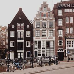 Amsterdam / photo by Joseph Owen