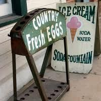 Country Fresh Eggs and Ice Cream. Country Style Homes, Country Charm, Country Decor, Country Bumpkin, Country Living, Vintage Love, Vintage Signs, Old Antiques, Primitive Antiques