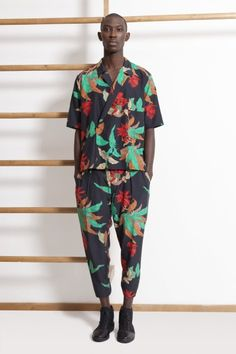 Hawaiian Shirts, all the rage again by Clark Parkin, welt.de: Now tapered and fitted!  #Hawaiian_Shirt #Clark_Parkini #welt_de