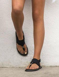 c4cb9824a Sanuk Women s size 9 40 Yoga Sling black yoga mat ankle strap thong sandals   Sanuk