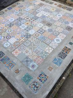 French decor moroccan tiles outdoor, moroccan tiles g… - Modern Moroccan Tile Bathroom, Moroccan Tile Backsplash, Blue Moroccan Tile, Moroccan Garden, Moroccan Decor, Backsplash Arabesque, Bathroom Wall, Tile Patio Floor, Terrace Tiles