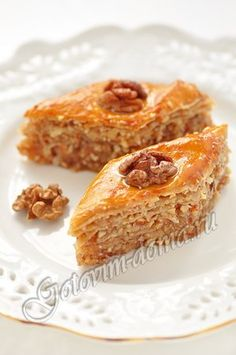 Honey baklava - a step-by-step recipe with a photo on Cooking at home - Recipe: Honey Baklava - Cookie Dough Recipes, Cake Recipes, Snack Recipes, Dessert Recipes, Cooking Recipes, Russian Desserts, Russian Recipes, Delicious Desserts, Yummy Food