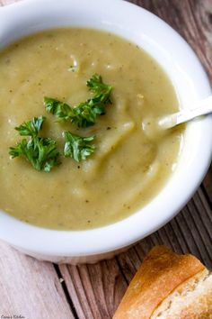 Creamy and comforting #Vegan Potato Leek Soup. One of my favorites to make as the weather  cools down. #Healthy #GlutenFree.