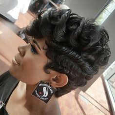 Black hairstyles for short hair Source by trendfrisuren 27 Piece Hairstyles, Sweet Hairstyles, Chic Hairstyles, Black Hairstyles, Short Hair Dos, Short Sassy Hair, Curly Hair Styles, Natural Hair Styles, Hair Junkie
