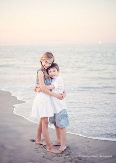 sibling beach session  © marci yochum photography