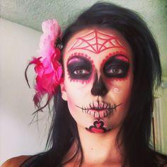 @kelligreen013 dia de Los muertos makeup. Day of the dead face paint. Halloween makeup. Pretty