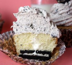 Cookies and Cream Cupcakes with sweet, fluffy filling