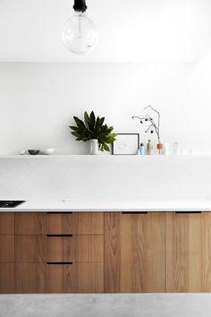 Kitchen cabinet made of walnut wood modern kitchen cabinets # modern kitchen design # kitchen pan … – rustic home interior Walnut Kitchen, Modern Kitchen Cabinets, Modern Kitchen Design, Kitchen Furniture, Kitchen Interior, Kitchen Decor, Minimal Kitchen, Kitchen Ideas, Kitchen Backsplash