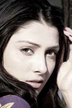Natural beauty. Aiza Khan