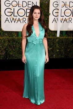 Pin for Later: Golden Globes 2015: Tous les Looks de la Soirée Lana Del Rey