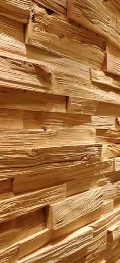 Spaltholz Holzwand