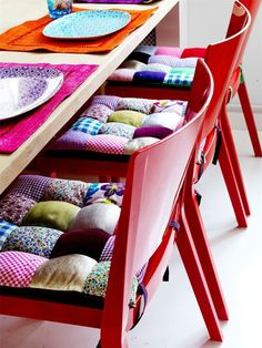 DIY seat cushions from fabric scraps. Cute and colorful